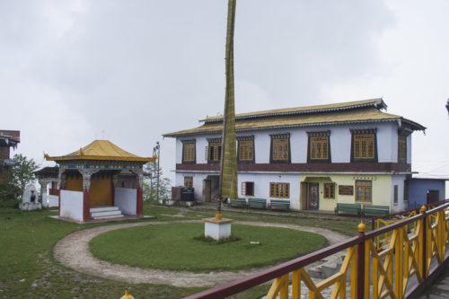 Внутренний двор монастыря Пемаянцзе