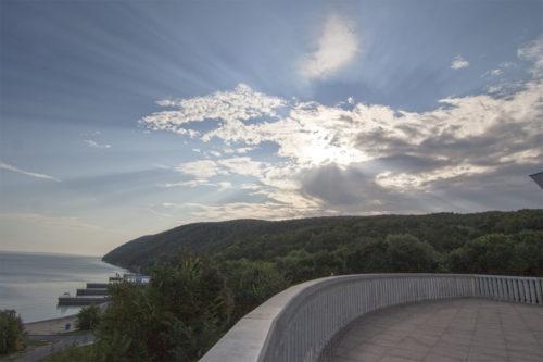 Вид на Жигулевские горы с террасы зала заседаний