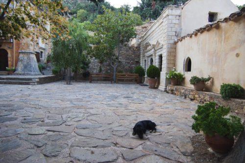 Внутри монастыря Атали