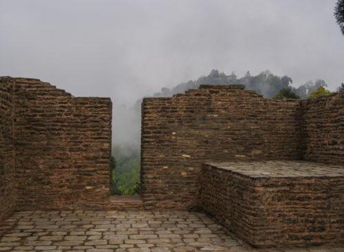 Дворцовая стена