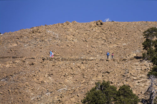 Немецкие туристы у вершины