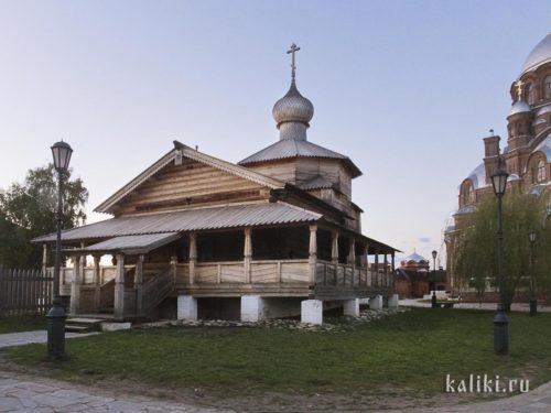 Деревянная Троицкая церковь