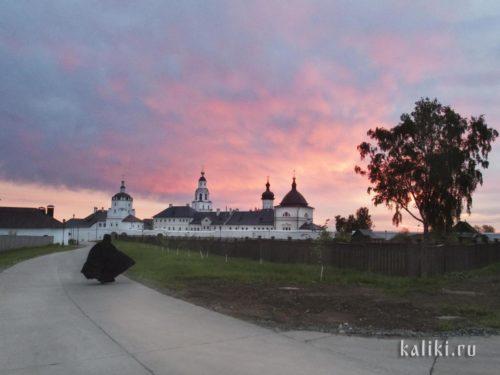 Успенский монастырь на закате