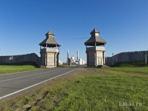 Южные ворота Болгарского городища и комплекс Белой мечети