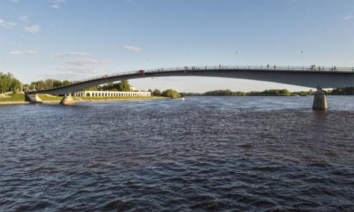 По Великому мосту на Торговую сторону