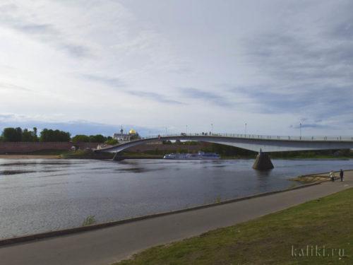Пешеходный мост через Волхов