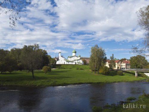 Церковь Богоявления с Запсковья - один из самых известных псковских храмов