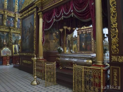 Внутри Троицкого собора