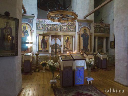 Внутри собора Рождества Иоанна Предтечи