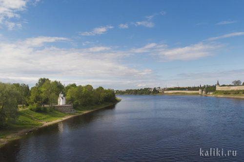 Часовня княгини Ольги на берегу реки Великой