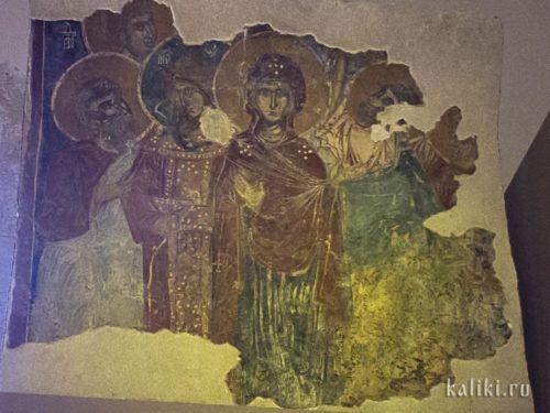 Фрагмент сцены Вознесения. Богоматерь в сопровождении архангела Михаила и трех Апостолов. Из собрания музея христианского искусства в Ираклионе