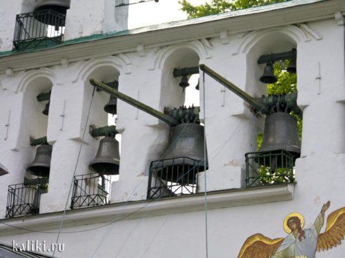 """Большие колокола с шестами - """"очепами"""""""