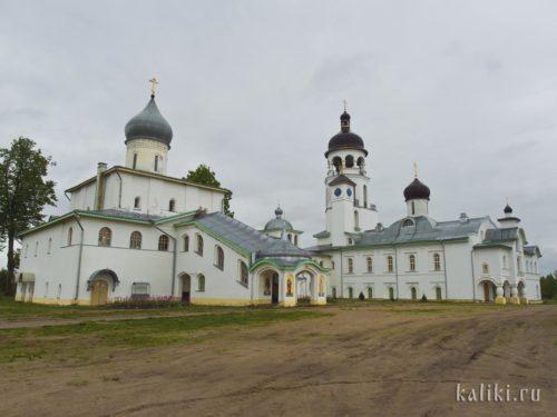 Основные здания Иоанно-Богословского Крыпецкого монастыря