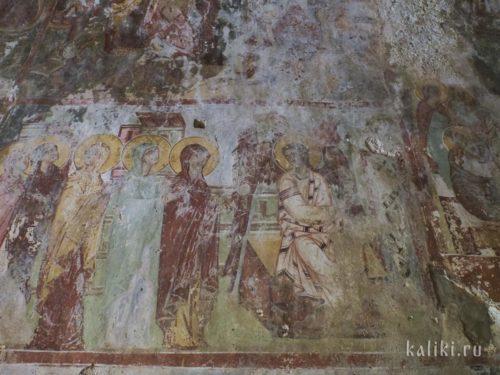 Возможно, жены-мироносицы. Фреска церкви Иоанна Богослова в Киссосе