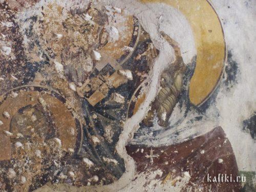 Граница фресок XIII-го и XV-го веков