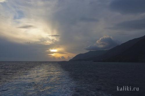 Закат на южном побережье острова Крит