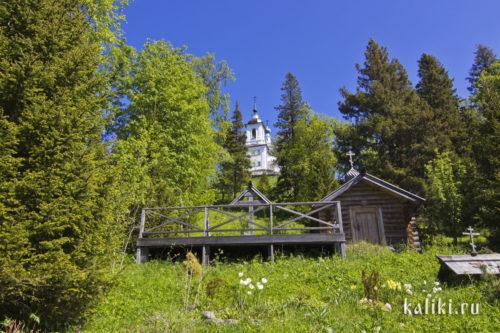 Крест и часовня священномученика Петра Зверева