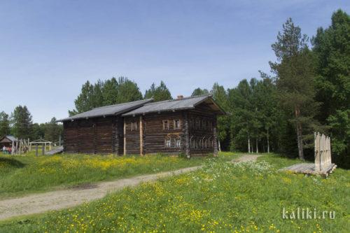 Дом-двор Федотова М. А., XIX в. Впереди жилое помещение, сзади пристроен большой хозяйственный двор