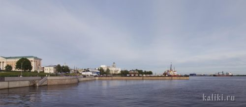 Архангельская набережная и порт
