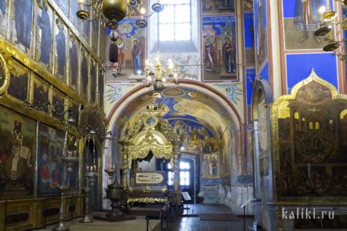 Интерьер Богородице-Рождественского собора