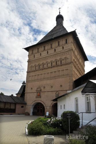 Проездная башня Спасо-Евфмиева монастыря