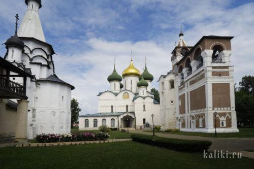 Спасо-Преображенский собор, Успенская трапезная церковь и звонница