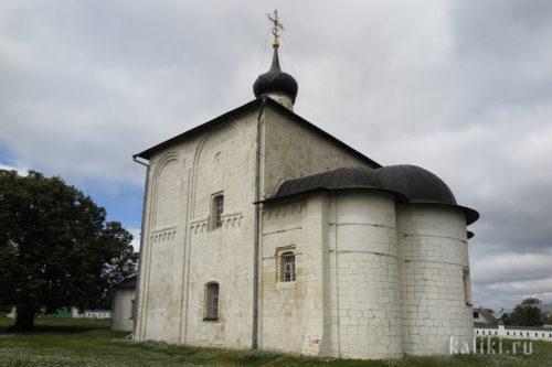 Апсиды и южная сторона церкви Бориса и Глеба