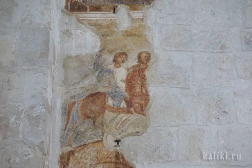 Фрагмент фресок XII в. на южной стене