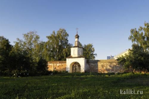 Святые ворота Троицкого монастыря
