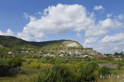 Вид на Попову гору со стороны с. Ширяево