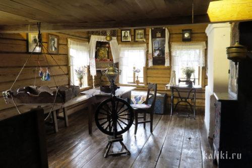 Интерьер Дома-музея А. Ширяевца
