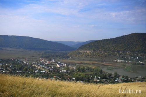 Вид на Ширяево и Ширяевскую долину с Монастырской горы